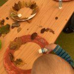 Herbst basteln, Krabben, Kranz, Kleben, Blätter